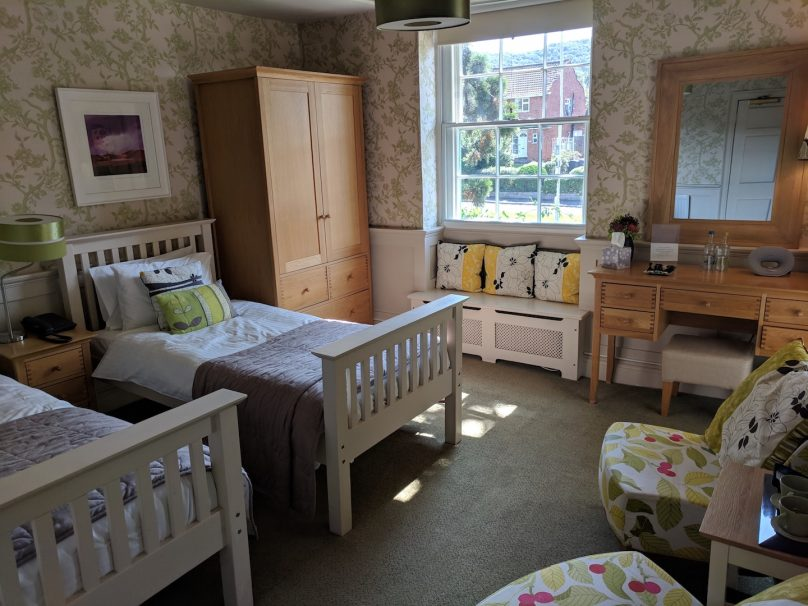 Room 04- Twin with Bath